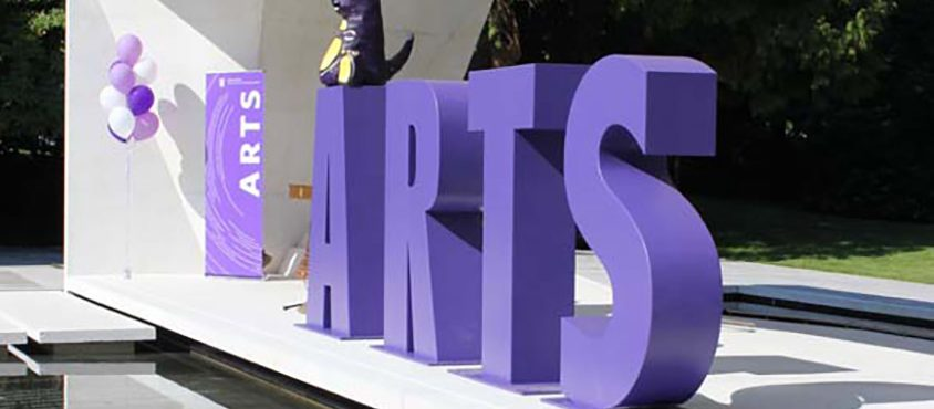 110908_buch_courtyard_celebration_1255_arts_letters_reflection_photo-by-katie-fe844_377