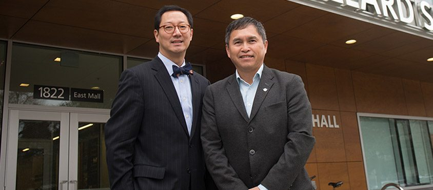UBC President Santa Ono and Joe Gallagher, chief executive officer of the FNHA, announce a new chair to improve cancer outcomes and wellness among First Nations and Indigenous peoples. Credit: Lindsey Donovan Photography.